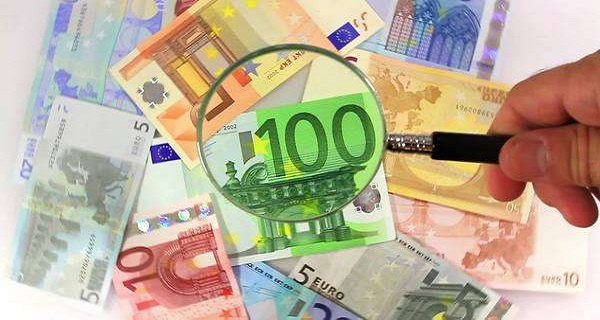 euros magnifying glass 2