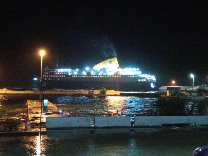 του Νήσος Μύκονος στο λιμάνι του Αγίου Κηρύκου 1